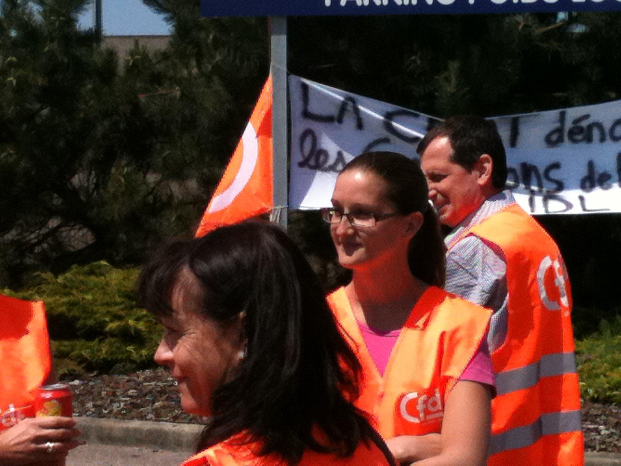 Greve du 2 juin 2011 la CFDT mobilise chez LIDL pour denoncer les conditions de travail 718